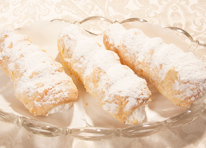 pastries_cremehorns